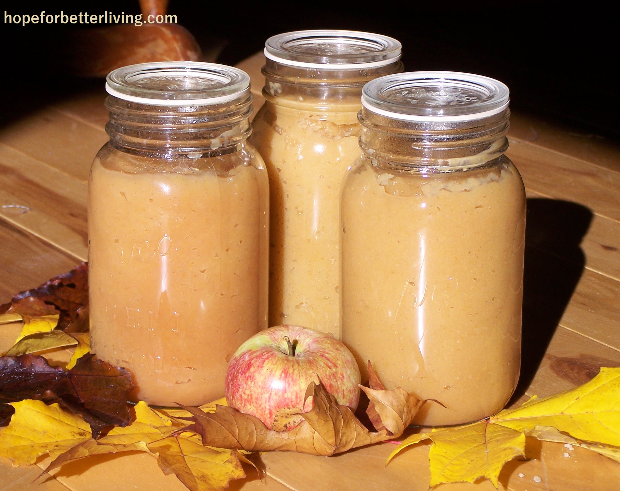 A Fast and Creamy Applesauce Recipe for Home Canning